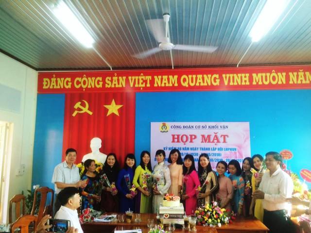 Công đoàn Khối vận tổ chức buổi họp mặt nhân kỷ niệm ngày Phụ nữ Việt Nam 20/10